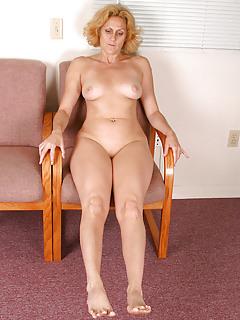 Moms Legs Pics