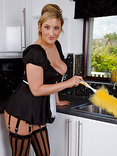 Moms Housewife Pics
