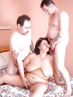 Moms Threesome Pics